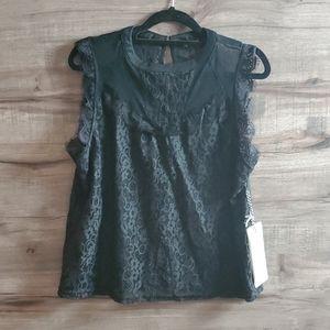 Iris Basic sleeveless black lace top